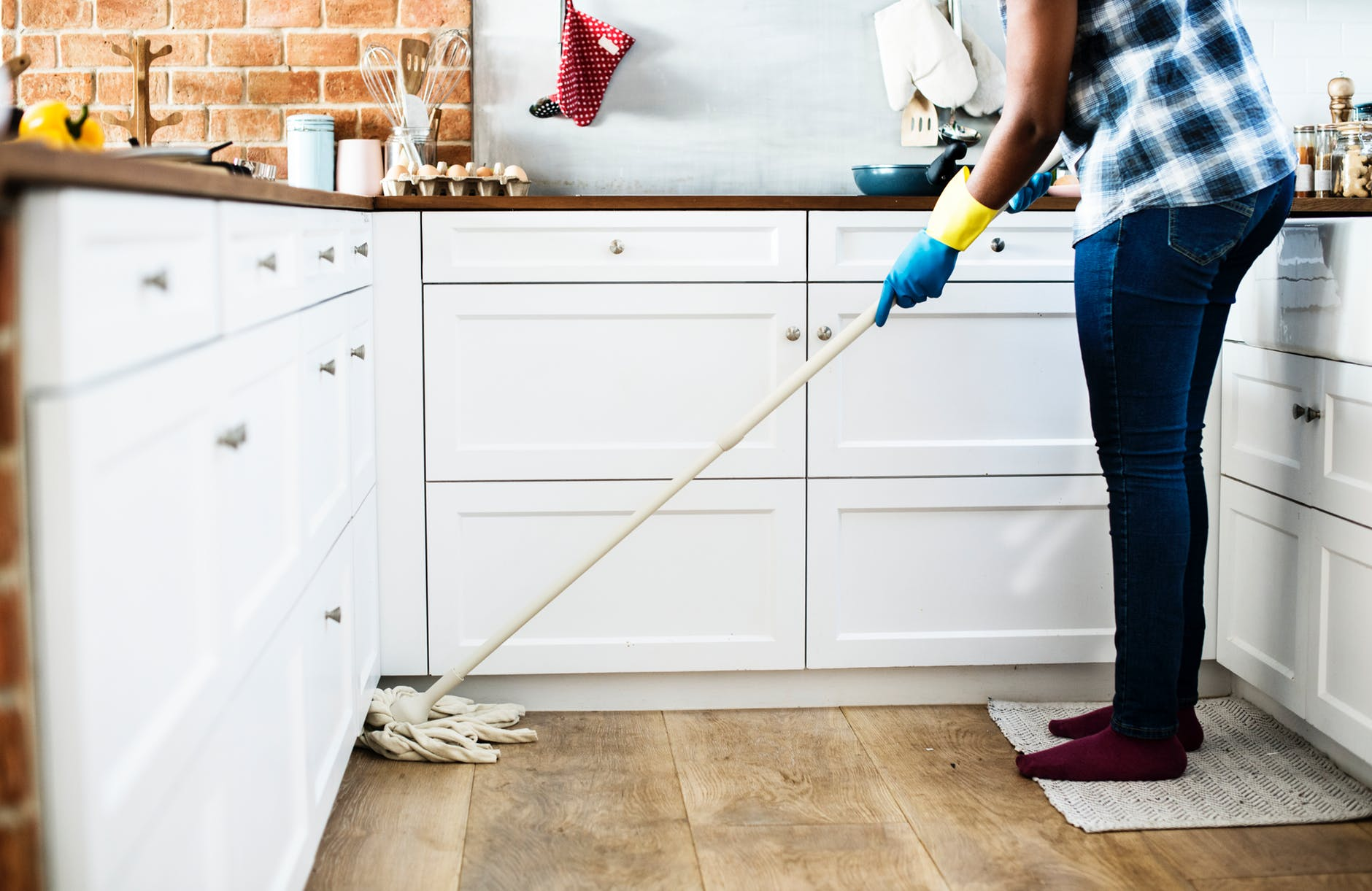 a woman who can show you how to clean your house like a professional