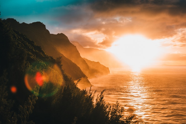 Secure the best Hawaiian sunset by choosing the best island