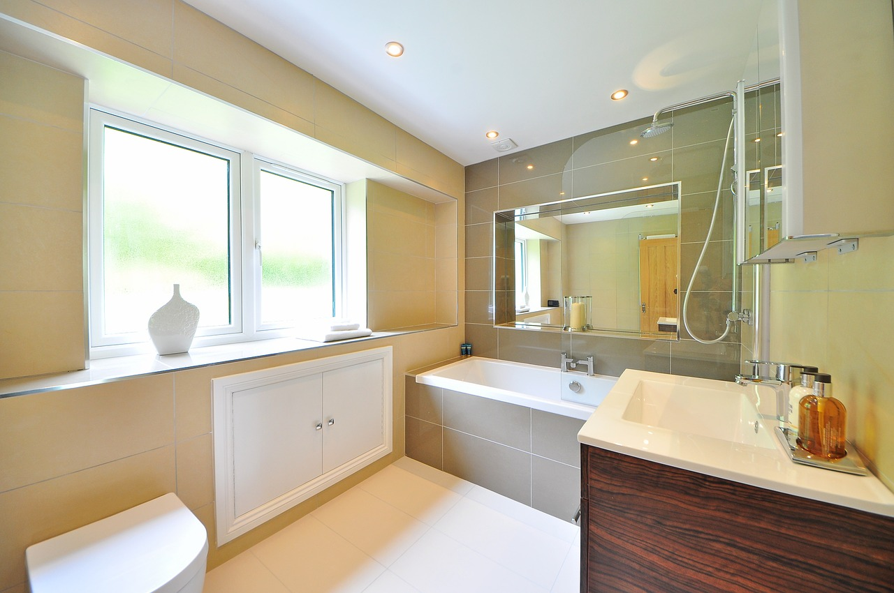 A bathroom after some affordable bathroom remodel ideas have been applied.