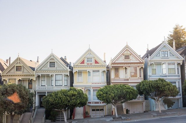 Houses one can consider when buying a house in the US.