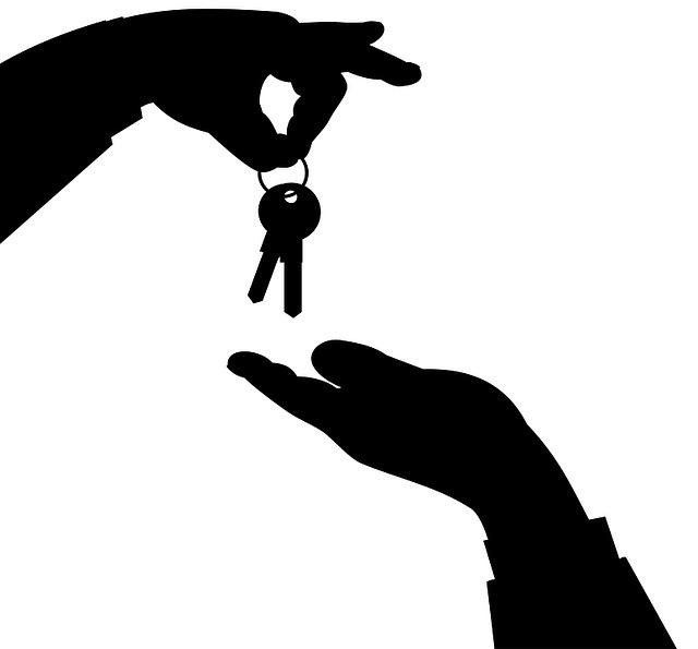 House keys.