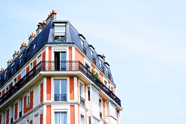Apartment Building - Handbook on buying an apartment in Oakville, Canada